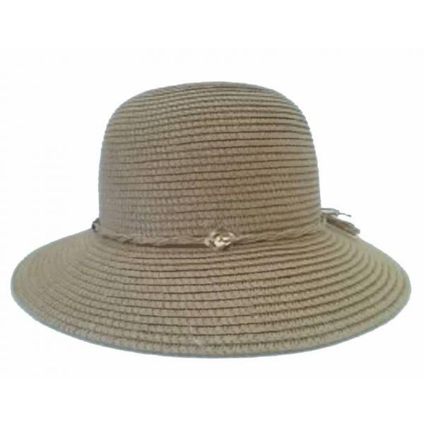 Chapéu de Senhora Liso com Aba Curta e Fio com Atavios
