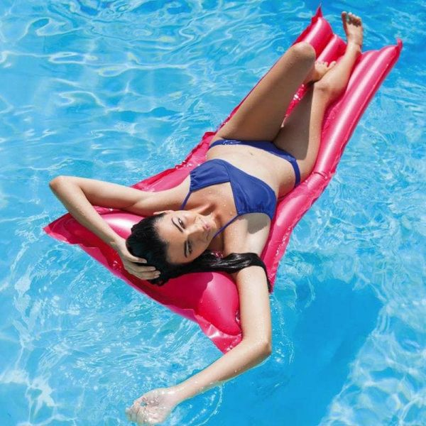 Simple Inflatable Mattress Intex in the Water